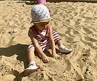 Detské čiapky - Háčkovaný letný klobúčik - 10757732_