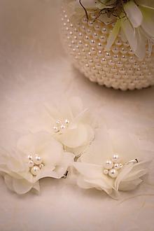 Ozdoby do vlasov - Svadobné pinety kvety s perličkami - 10756600_