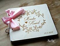 Papiernictvo - Svadobná kniha hostí, drevený fotoalbum - venček8 - 10759278_
