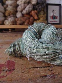 Materiál ručne robený - Ručne farbená svetlá, Romney, 90g - 10758584_