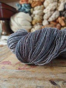 Materiál ručne robený - Ručne farbená levanduľová, 160g - 10758721_