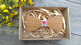 Doplnky - Pánsky drevený motýlik - 10760926_