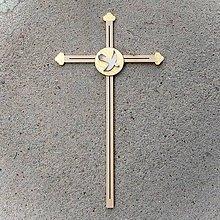 Dekorácie - Drevený Kríž s holubicou k Birmovke - 10758390_