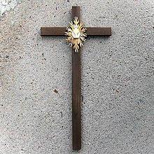 Dekorácie - Drevený Kríž s kalichom k Prijímaniu - 10758534_