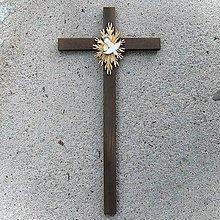 Dekorácie - Veľký Drevený Kríž s Holubicou - 10758968_