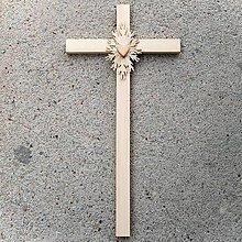 Dekorácie - Veľký Drevený Kríž so Srdcom - 10759116_