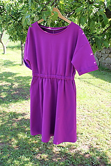 Šaty - Fialové teplákové šaty voľného strihu - 10759968_