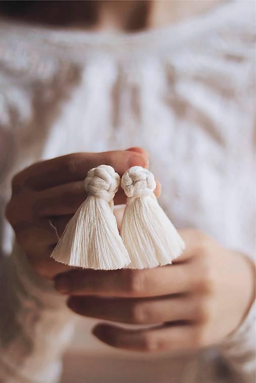 Macramé náušnice (prírodná biela)