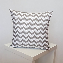 Úžitkový textil - vankúš Chevron sivo-biely 40x40cm - 10760973_