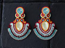 Náušnice - Farebné šujtášové náušnice so Swarovski kryštálmiDobrava - 10762477_