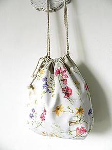Veľké tašky - Zaťahovacia taška Lúčne kvety - 10762840_