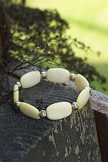 Náramky - Perleťový náramok jemne žltý - 10762694_
