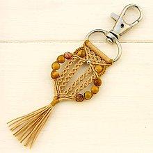 Kľúčenky - Macramé prívesok na kabelku / na batoh / na kľúče - 10761741_