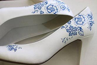 Obuv - cibuliačky - ručne zdobené svadobné lodičky - 10762579_