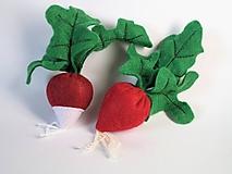 Hračky - Zelenina z filcu (reďkovka) - 10763220_