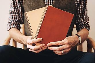 Papiernictvo - Kožený zápisník s krúžkovou väzbou II. - 10765043_