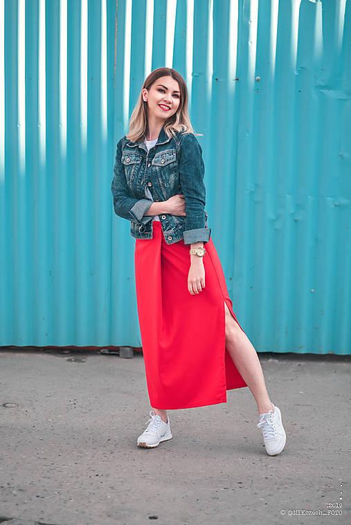 Červená sukňa dlhá