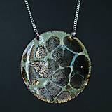Náhrdelníky - Smaltovaný náhrdelník na retiazke - 10765914_