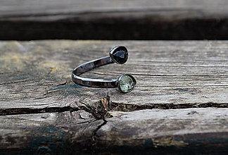 Prstene - Strieborný prsteň čierne rhodium Turmalín - 10766740_