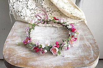 Ozdoby do vlasov - Kvetinový venček ,,ružový,, - 10769435_