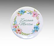 Darčeky pre svadobčanov - Svadobné buttony (odznaky) VENČEK 4 - 10769361_