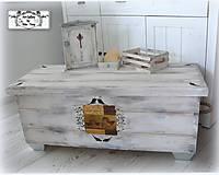 Nábytok - Masívna truhlica, aj ako lavica
