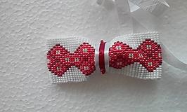 Doplnky - motýlik červená výšivka 3 - 10773971_