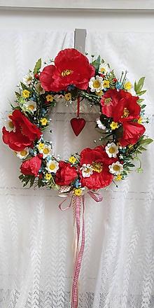 Dekorácie - Veniec na zavesenie... lúčne kvety - 10775582_
