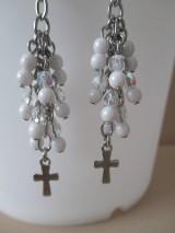 Náušnice - Korálkové náušnice s krížikom - bielo priehľadné - chir. oceľ - 10775193_