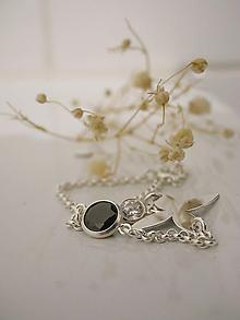 Náramky - Jet Crystal Flower - 10776198_