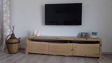 Nábytok - TV stolík so starého duba - 10775757_