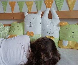 Textil - vankúšiky MANTINEL DO POSTIEĽKY AJ POSTELE - zelený, žltý, biely - 10775701_