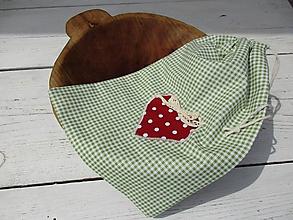 Úžitkový textil - zelené vrecko so srdcom - 10774490_