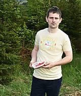 Tričká - Veselé pánske tričko - 10778226_