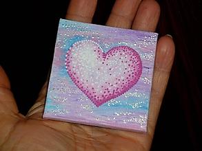 Magnetky - Srdce na dlani - magnetka - 10776986_