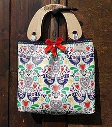 Kabelky - Folk kabelka s drevenými rúčkami s gravírom ❤