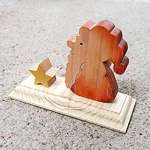Dekorácie - Drevený Santa Vianočná Dekorácia - 10779780_