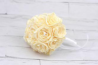 Kytice pre nevestu - Saténová kytica svadobná vanilková ruže - 10780748_