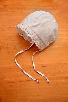 Detské čiapky - Ultraľahký čepček batist & ivory s krajkou (Snehobiela) - 10780151_