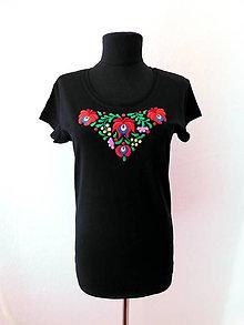 Tričká - Ručne vyšívané tričko - 10780458_