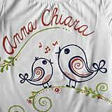 Detské oblečenie - Maľované ľudovoladené dievčenské tričko s menom - 10780278_