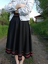 Folk - kruhová sukňa s opaskom