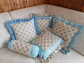 Úžitkový textil - Tyrkysovomodré ružičkové vankúše - 10783196_