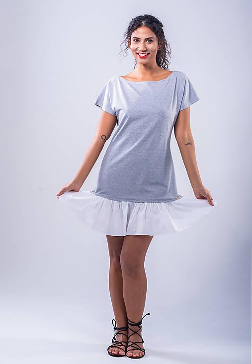 Šaty - krátke šaty s volánom - 10782759_