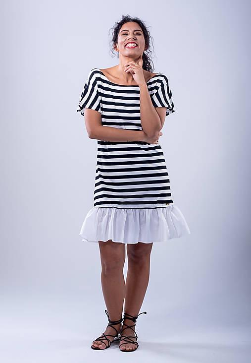 Šaty - krátke šaty s volánom - 10782764_