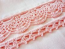 Úžitkový textil - Utierka s háčkovaným okrajom pastelová ružová - 10783637_