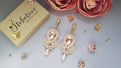 Náušnice - zlatá slza - šujtášové náušnice s riečnou perlou - 10785001_