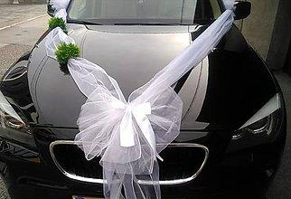Kytice pre nevestu - výzdoba svadobného auta so zeleňou - 10785439_
