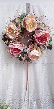 Dekorácie - Veniec... ruža a jablko - 10786203_