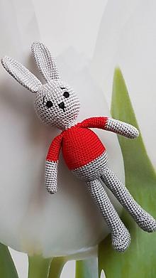Hračky - Zajko v červenom tričku - 10784372_